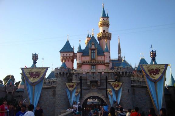Vietimme mukavan päivän Disneylandissa.
