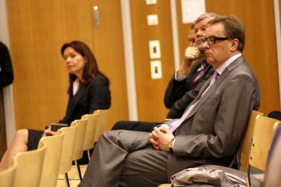 Yleisössä myös arvovaltaisia vieraita kuten Tuusulan kunnanjohtaja Hannu Joensivu.