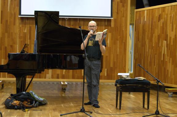 Jukka Laajarinne kertoi suurista tunteista Muumien avulla.